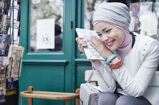 Hijab Modern Populer Ala Dewi Sandra