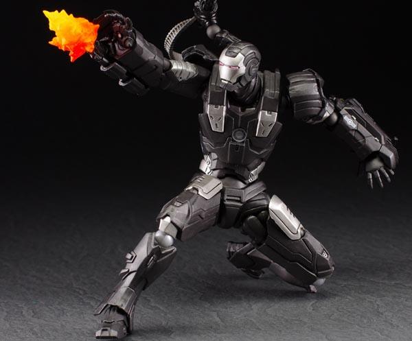 Revoltech War Machine