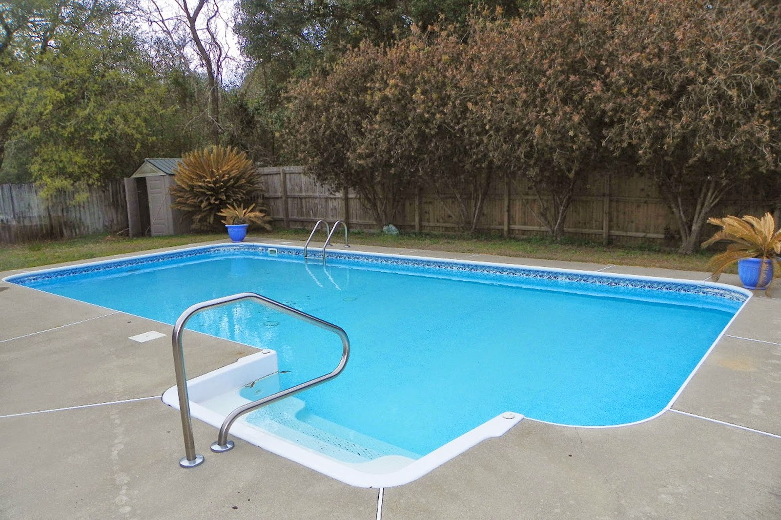 Homes in Pensacola for rent with Pools