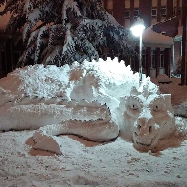 snow sculpture art-1