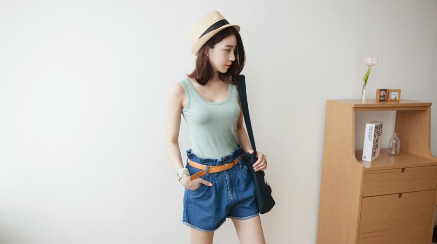 Kang Hye Yeon - Casual Cutie