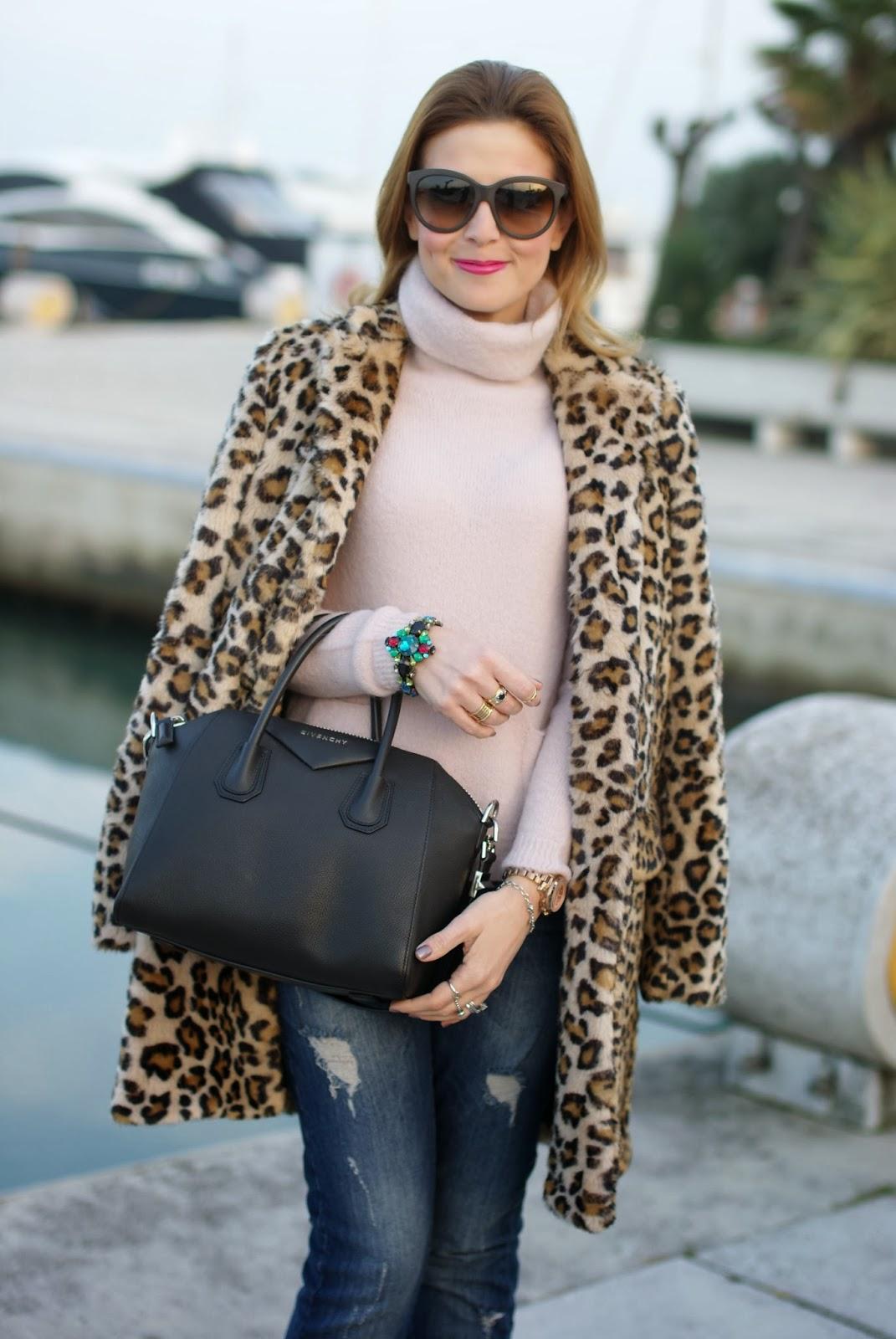 zara leopard coat, leopard faux fur coat, pink sweater, givenchy antigona bag, fashion and cookies, fashion blogger