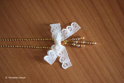 bijoux avec noeud en dentelle de Calais romantique