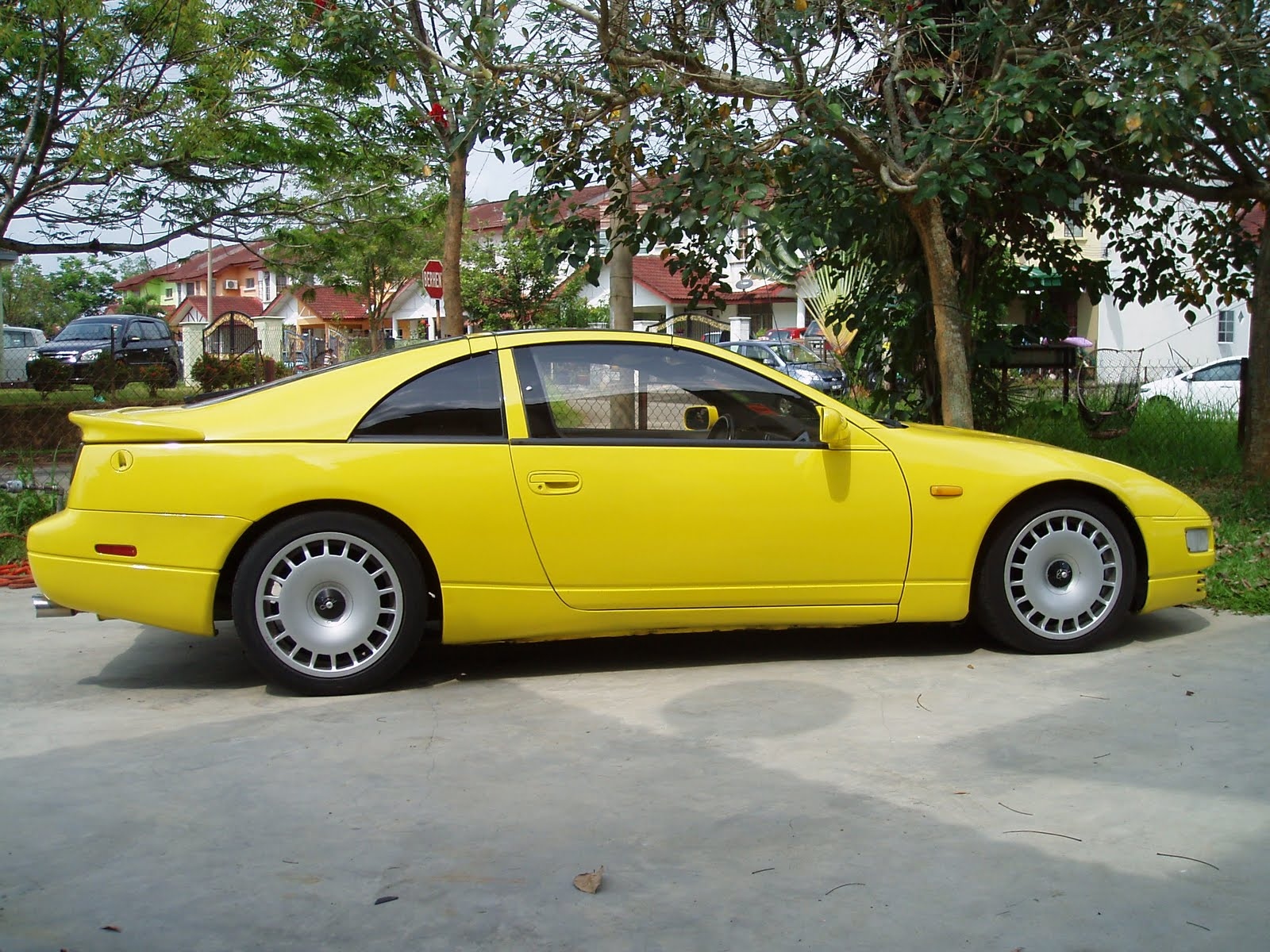 nissan fairlady z yellow Cars Review Wallpapers