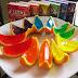 Gelatinas hechas en cascaras de naranja