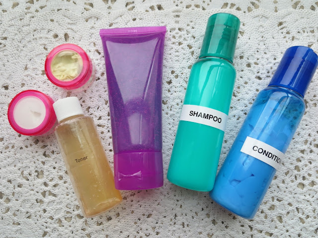 a picture of  Travel Friendly Containers ; shampoo, conditioner, moisturizer, face wash, toner