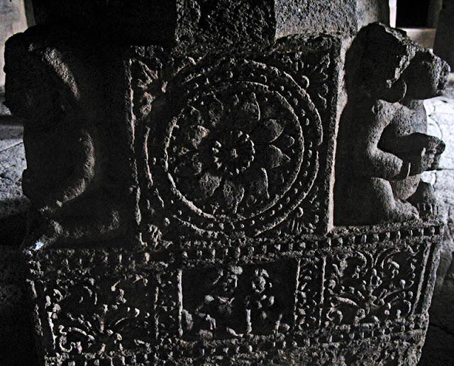 carved pillar design at Aurangabad caves