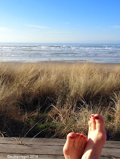 Sunny and warm afternoon on the Oregon coast (in January!)