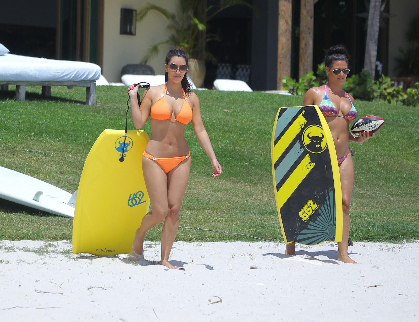 Kim Kardashian Orange Bikini Photos In Mexico