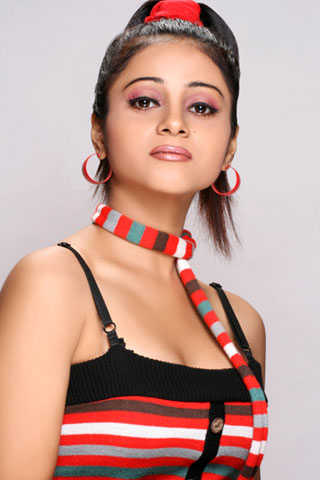 Actress Suprena Stills Gallery navel show
