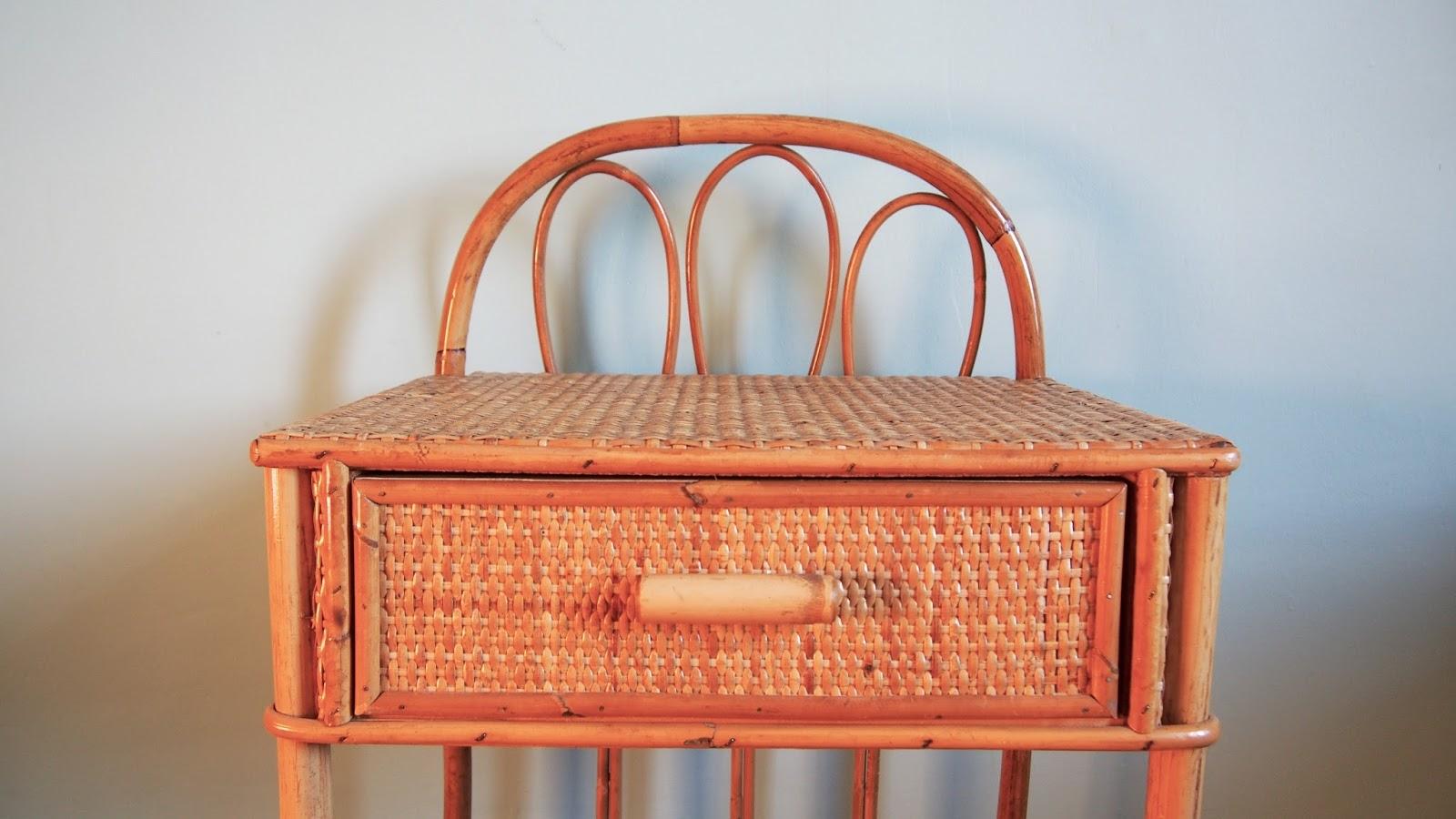 G n ration vintage table de chevet en rotin vintage - Table de chevet en rotin miel ...