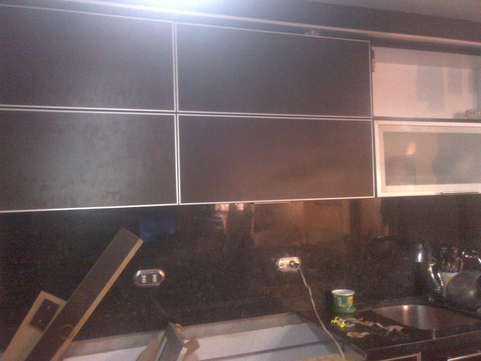 Nuova cucine cocina wenngue puertas cantonera de - Puertas de aluminio para cocinas ...