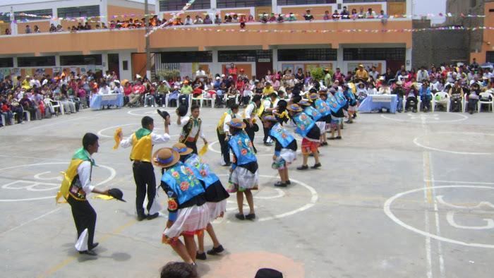 """CATEGORÍA """"A"""" - 1º  PUESTO EN EL IX CONCURSO DE DANZAS - DANZA """"HUAYLARSH"""" - 1º """"D"""""""