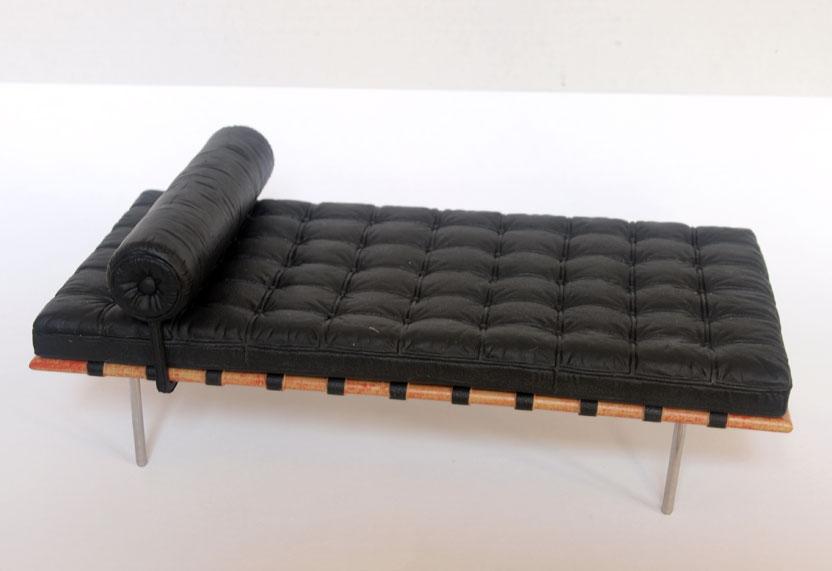 Miniaturas modernas la silla barcelona - Silla barcelona mies van der rohe ...