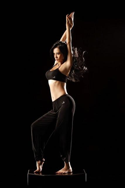 Chinese Model Muqimiya Sexy Yoga