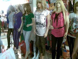 Grosir-Grosir Pakaian Di Tanah Abang