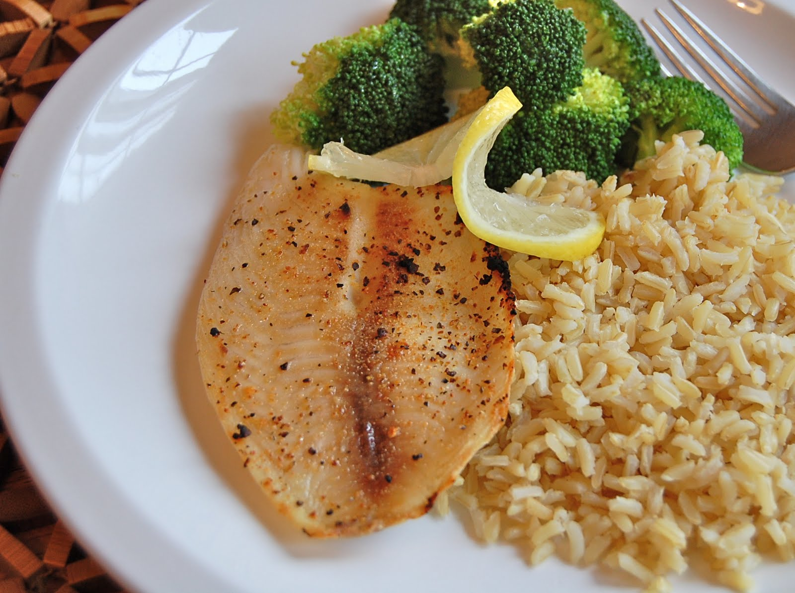 Chef mommy easy broiled tilapia for Rice recipes to go with fish