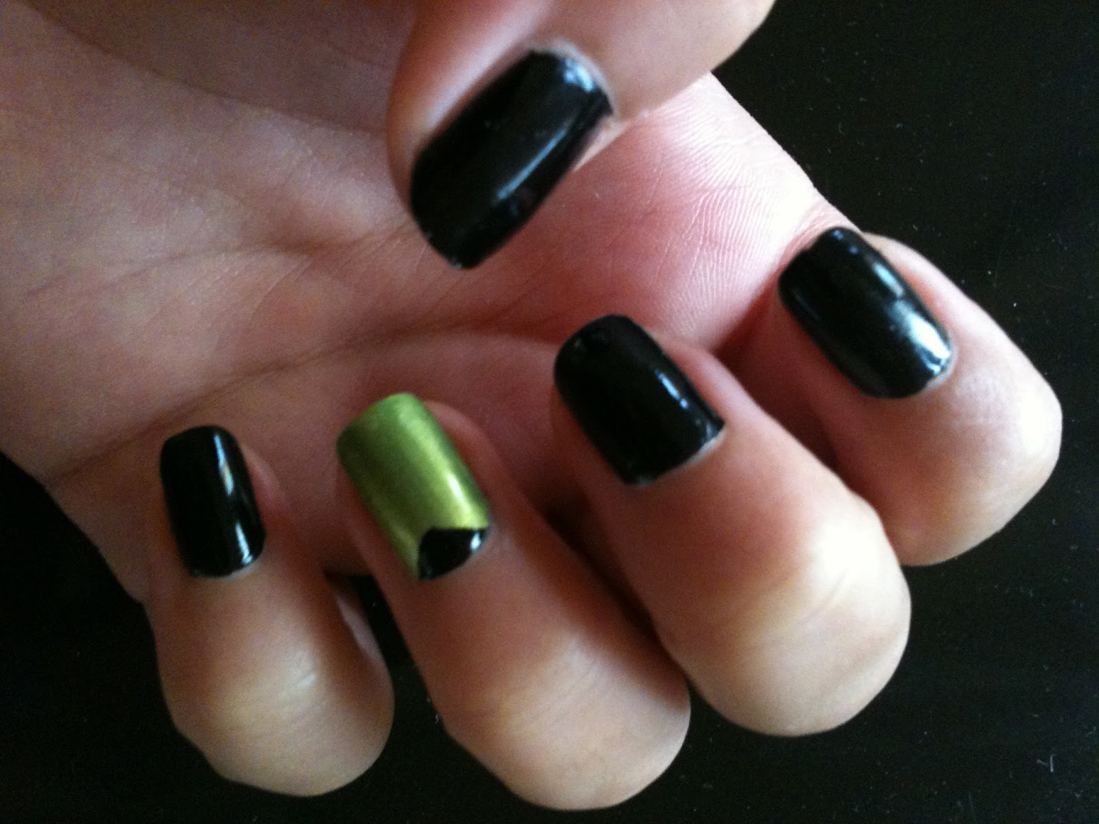 Inspired Nails : Edgy Green and Black Nails