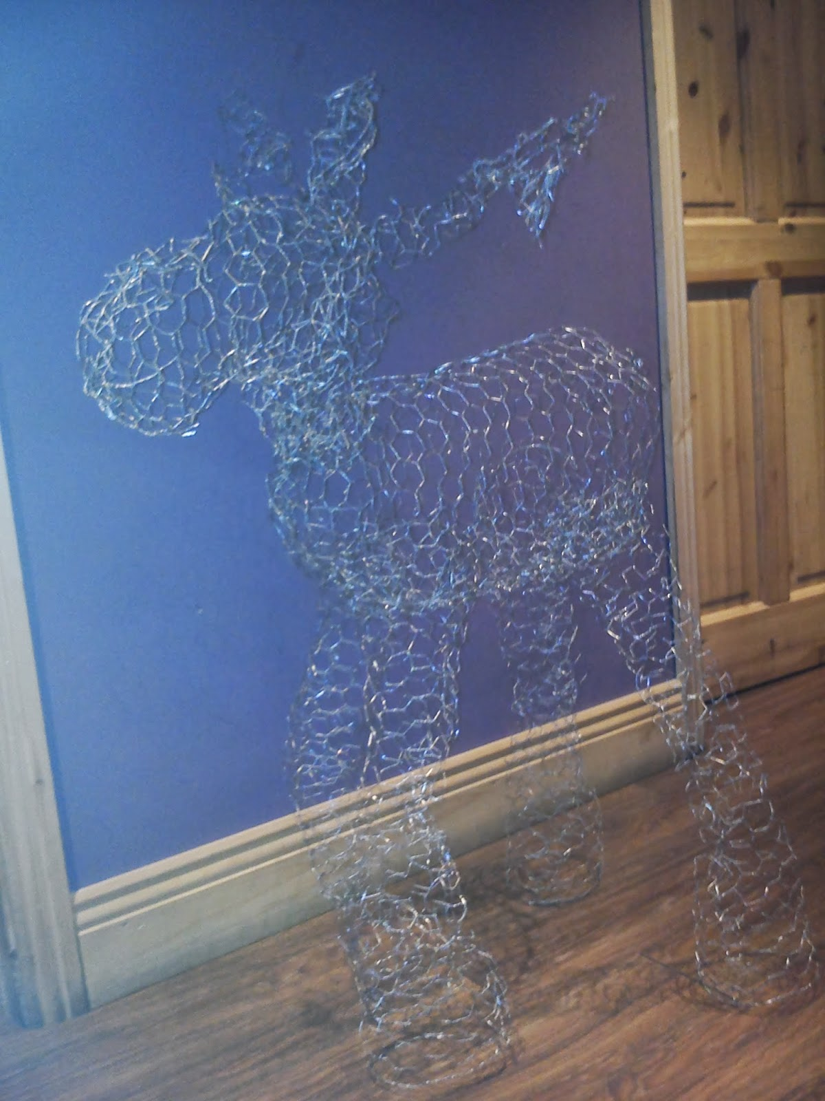 diy christmas decorations chicken wire rudolf if i did it so can you - Christmas Decorations With Chicken Wire