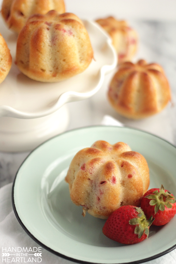Strawberry Yogurt Muffin Recipe with #AEDairy Greek Yogurt