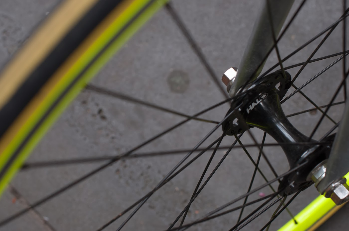 single speed, bike, bicycle, tim macauley, the biketorialist, melbourne, road bike, conversion,  custom, swanston St, giant, tcr,  wheel, lime green, hub, front wheel