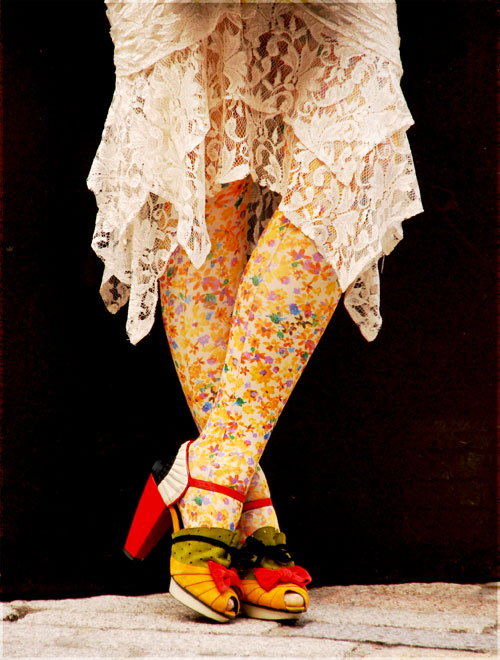 Psynopsis Streetstyle London Floral Tights Nicholas Kirkwood Shoes