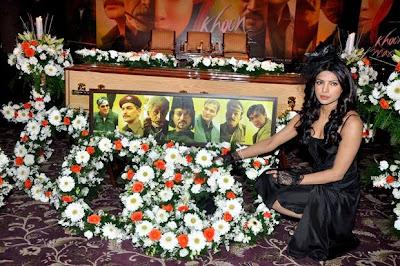 Priyanka Chopra bollywood hot girl_FilmyFun.blogspot.com