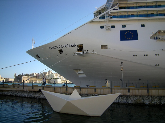 Costa favolosa malta pazzo per il mare cruise magazine for Costa favolosa ponti
