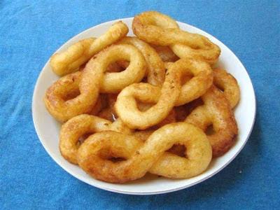 Cassava donuts (Buñuelos de Yuca)