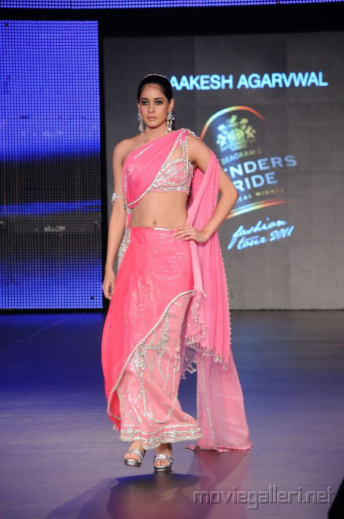 Genelia D'Souza Ramp Walk in Pink Saree - HOT