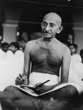 Frase do dia - Página 6 Gandhi