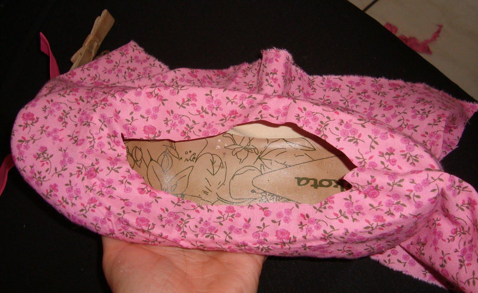 Bolsa Feita Com Pano De Guarda Chuva : Como renovar uma sapatilha usando tecido passo a