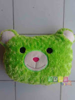 Bantal teddy bear hijau