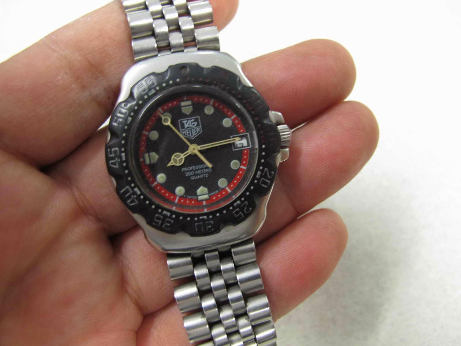Dapat dipakai sebagai jam harian dan cocok untuk Anda yang sedang mencari jam tangan Swiss made dengan diameter yang tidak terlalu besar pas di tangan