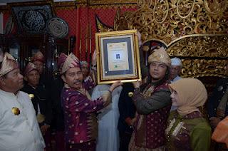 Berhasil Pimpin OKI Ishak Mekki digelari Pangeran Adi Pati Nata Negara