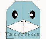 Bước 22: Vẽ mắt, mũi để hoàn thành cách xếp con chim cánh cụt nói chuyện bằng giấy đơn giản.