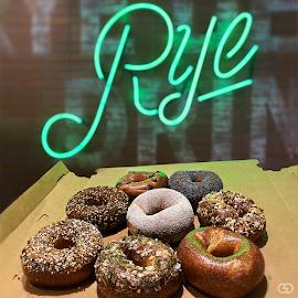 Rye Deli & Drinks bagels.
