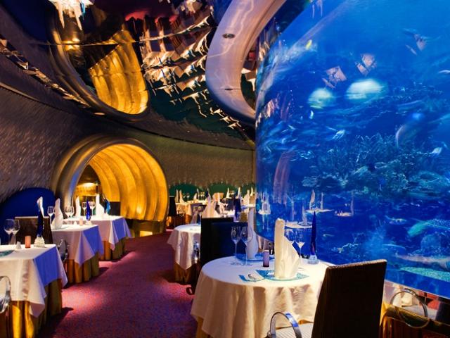 The most expensive hotel in dubai burj al arab luxury for Richest hotel in dubai