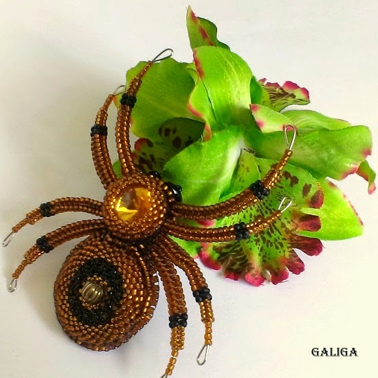 beautiful spider pendant bead
