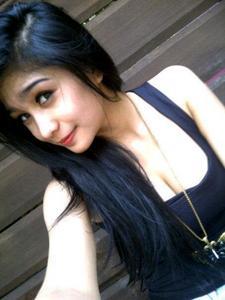 FOTO Nadia Si Seksi Dancer Dari Bandung