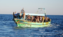 Sbarco immigrati, arrivi record nel 2016