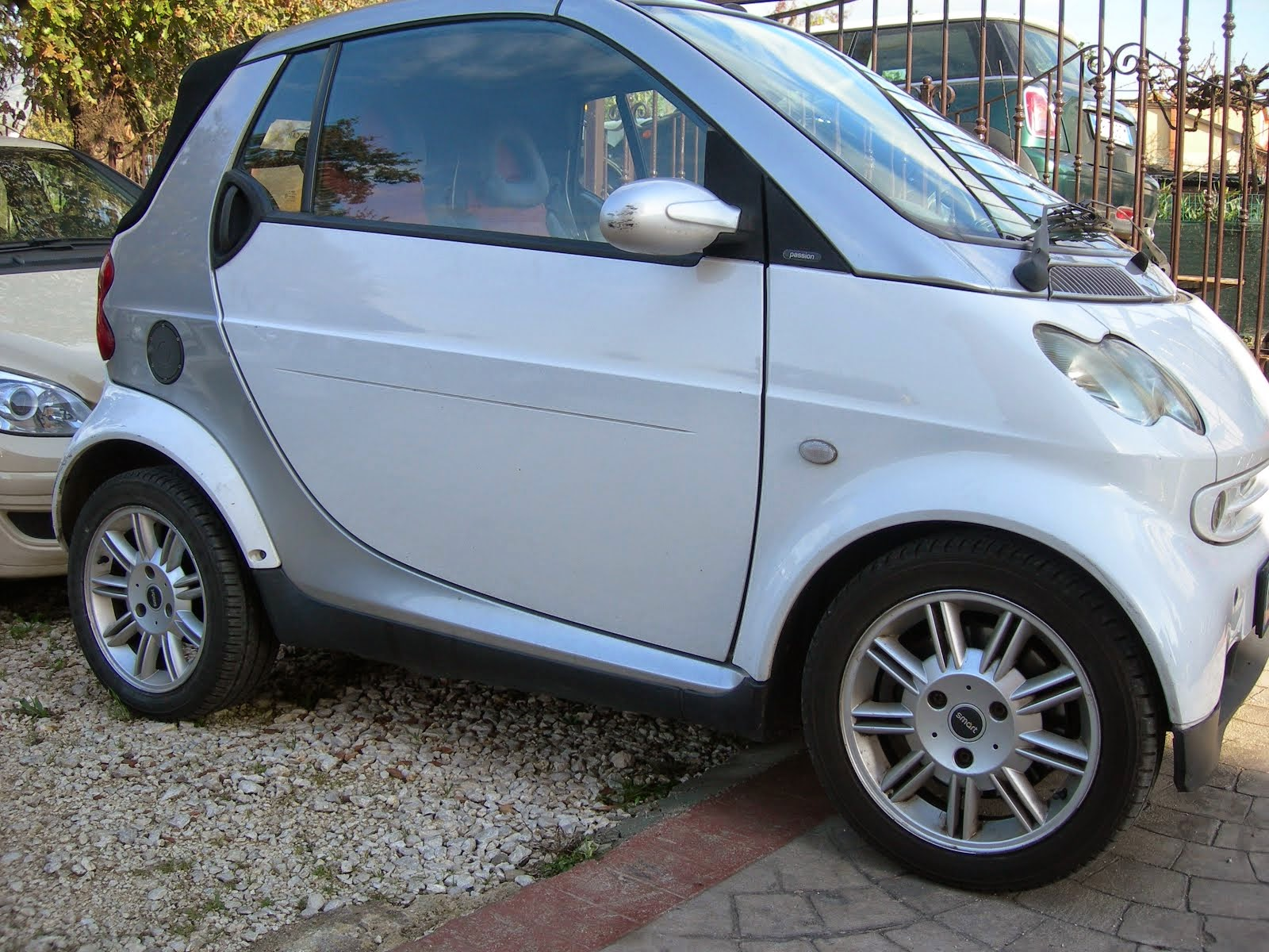 Smart 700 benzina Cabriò Anno 2003 Con clima-cambio autom sequenz Cerchi in lega- Cont. Per Prezzo