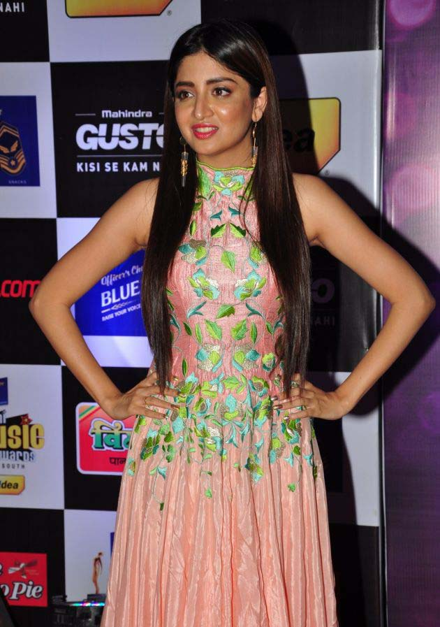 Poonam Kaur latest HD images At Mirchi Music Awards South