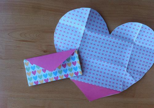 Manualidades: Tarjeta casera para el día de los enamorados