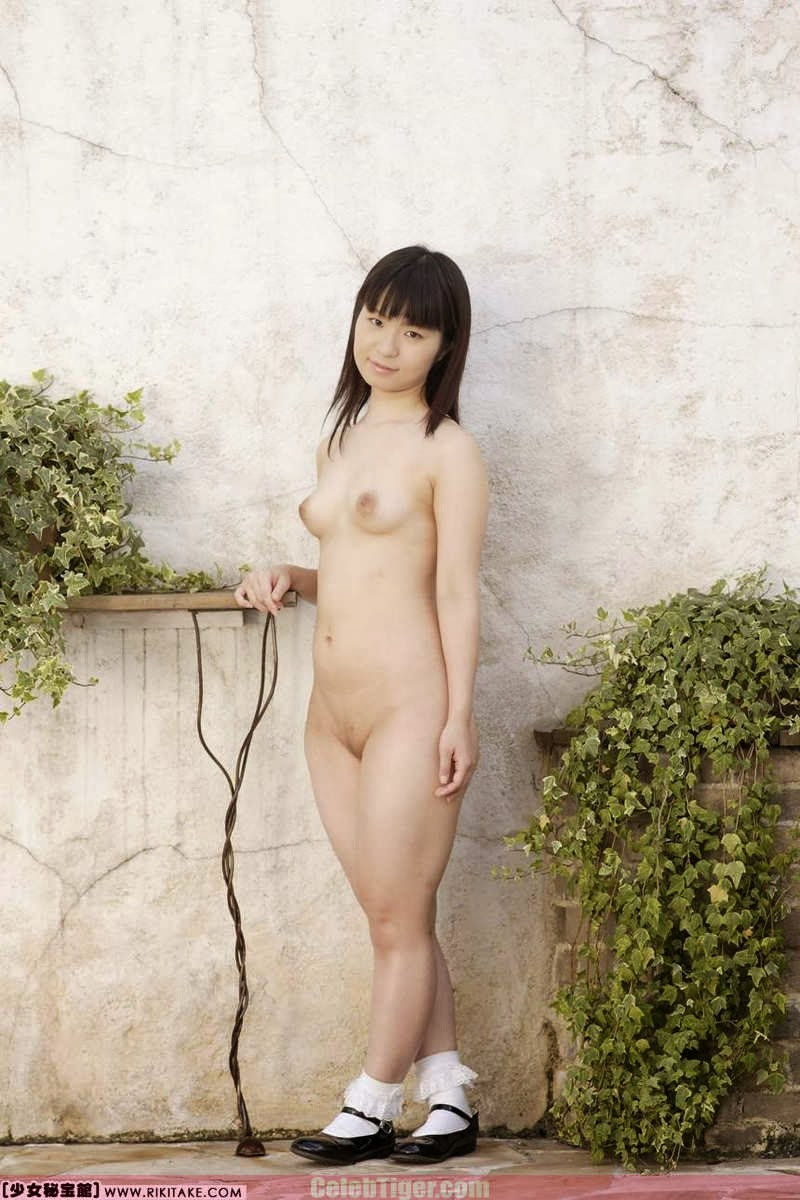 Asian School Girl Tui Kago Nude Outdoor Leaked Photos 2013  www.CelebTiger.com 109 Asian School Girl Yui Kago Nude Outdoor Photos 2013 Part 3