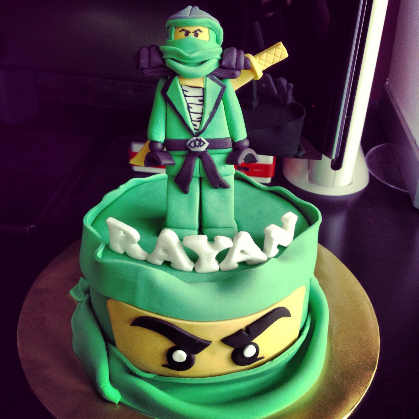 Comelicious lego ninjago lloyd zx cake - Ninjago lloyd ...