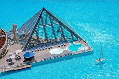 bassein 0002 أكبر و أنقى حمام سباحة في العالم بتكليف خمسة بلاين جنية استرليني  في تشيلي
