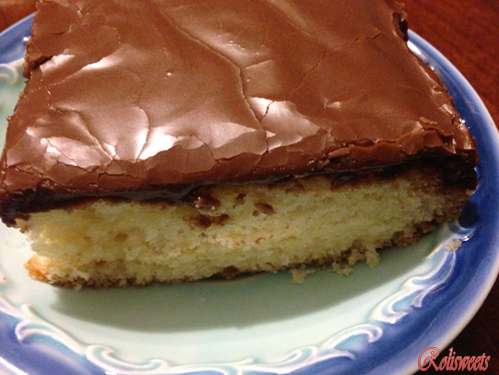 Rolisweets: Easy Yellow Cake with Chocolate Frosting