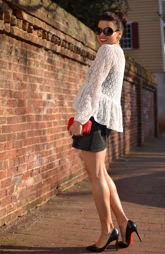Outfit with a peplum shirt