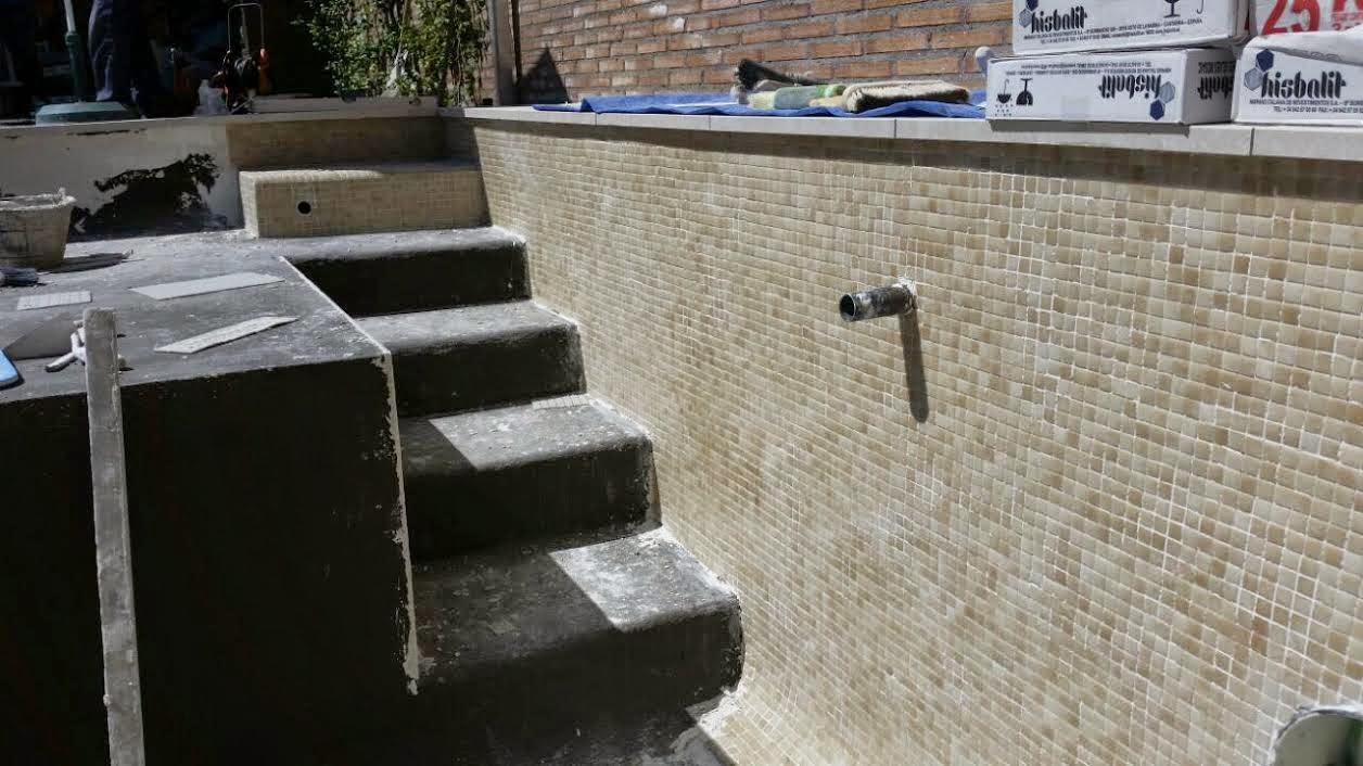 Blog de reformas 3 0 el antes y el despu s de una piscina - Construccion piscinas paso paso ...